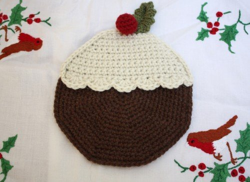 Free Crochet Patterns Christmas Potholders : Free Pattern - Christmas Pudding Potholder Emma Varnams ...