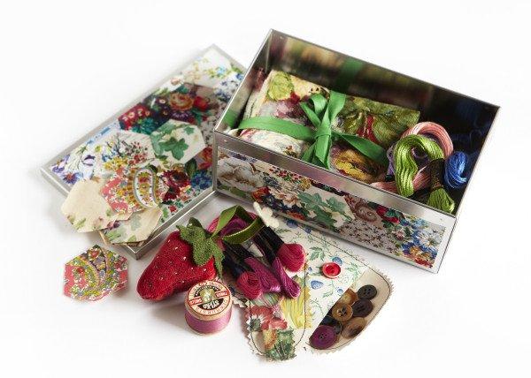 vintage_sewing_tin_0361-600x428