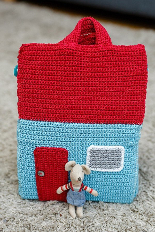 Free Knitting Patterns For Dolls House : The Take-Away Dolls House   Emma Varnams blog