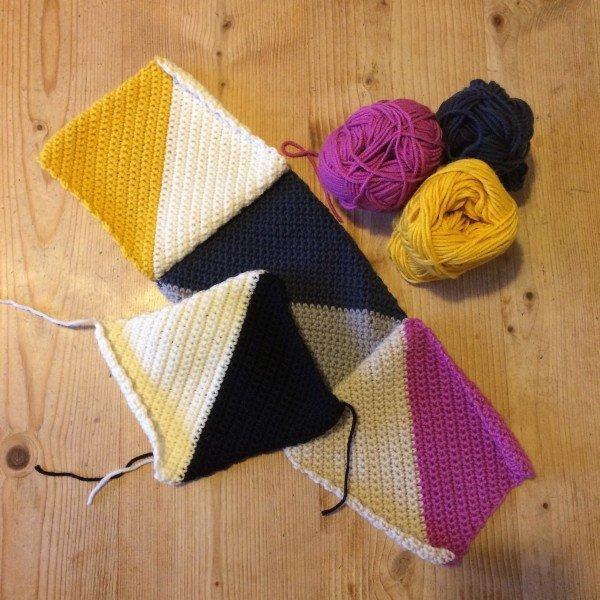 Modern, blanket, crochet, debbie bliss, graphic, rialto DK