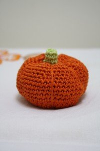 pupkin, crochet, pincushion
