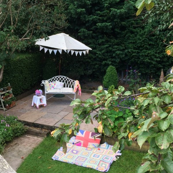 garden party, seating, crochet, bunting