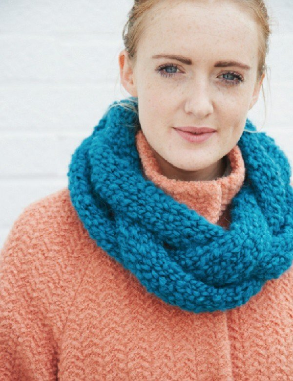 debbie-bliss-plaited-cowl-free-pattern