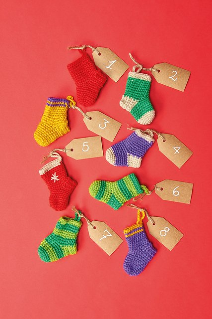 christmas-stocking-crochet-pattern-emma-varnam