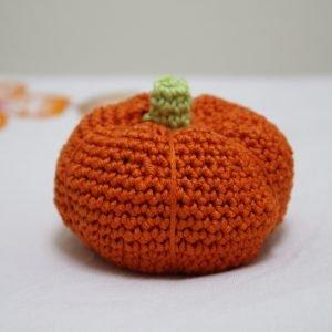 pupkin, crochet, pincushion