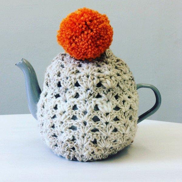 tennen-noro-yarn-laughing-hens