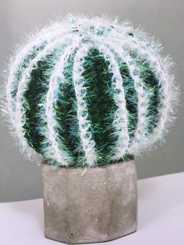 emma-varnam-crocheted-succulents