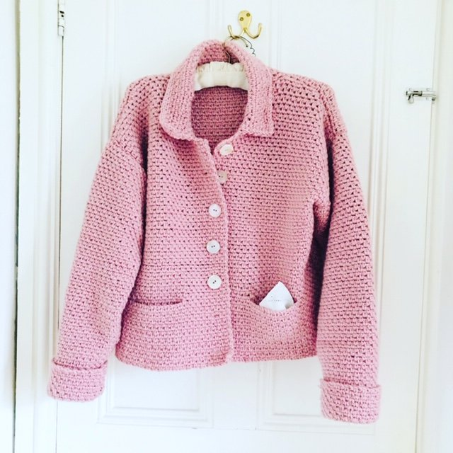 emma-varnam-pink-linen-jacke